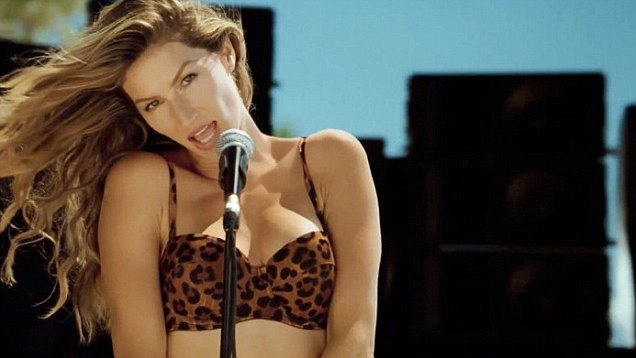 Gisele Bündchen Becomes The New Blondie For H&M