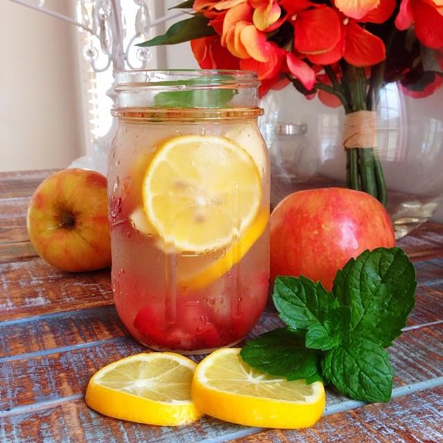Detox Water: Control Your Cravings and Get Beautiful Skin