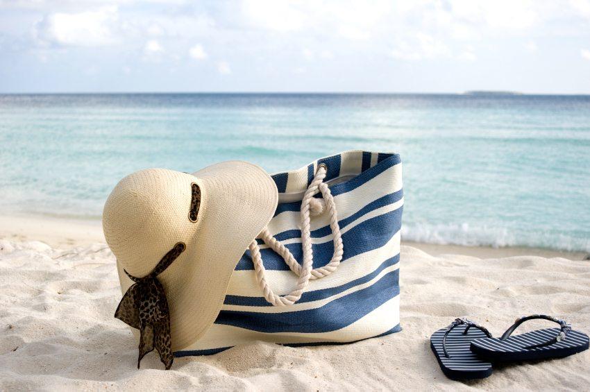 8 Beach Bag Beauty Essentials!