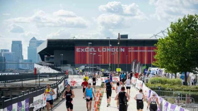 Hirschfeld Continues To Shine Against International Competition at London Triathlon