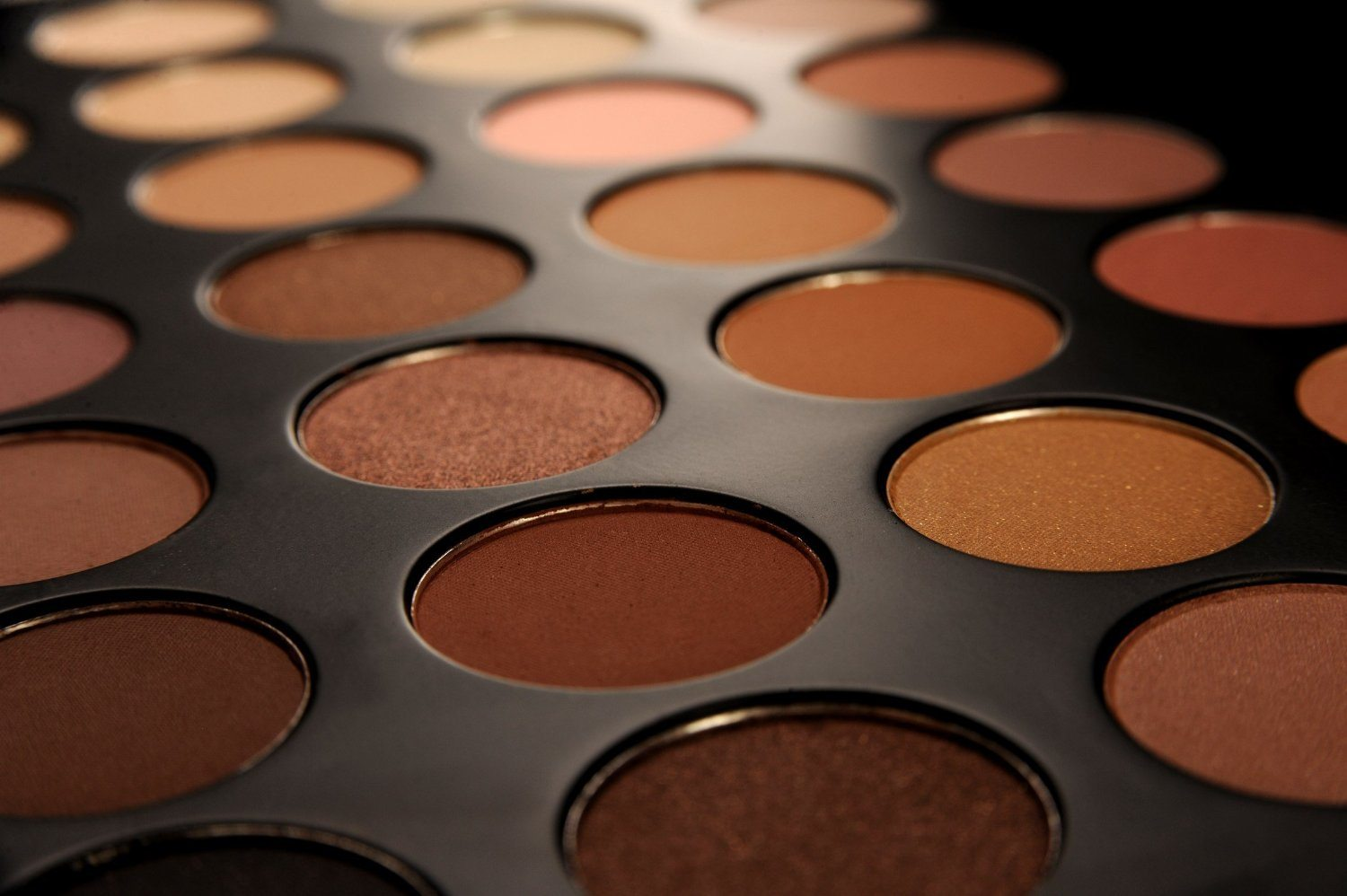 Deep Brown Pigments For Women Of Color