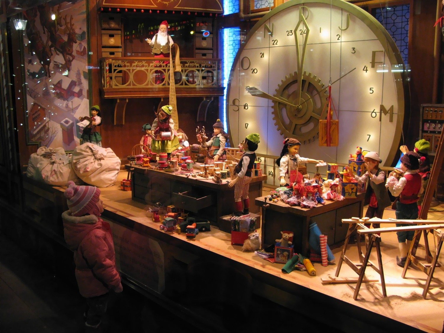 Where to Go See the Best Holiday Displays