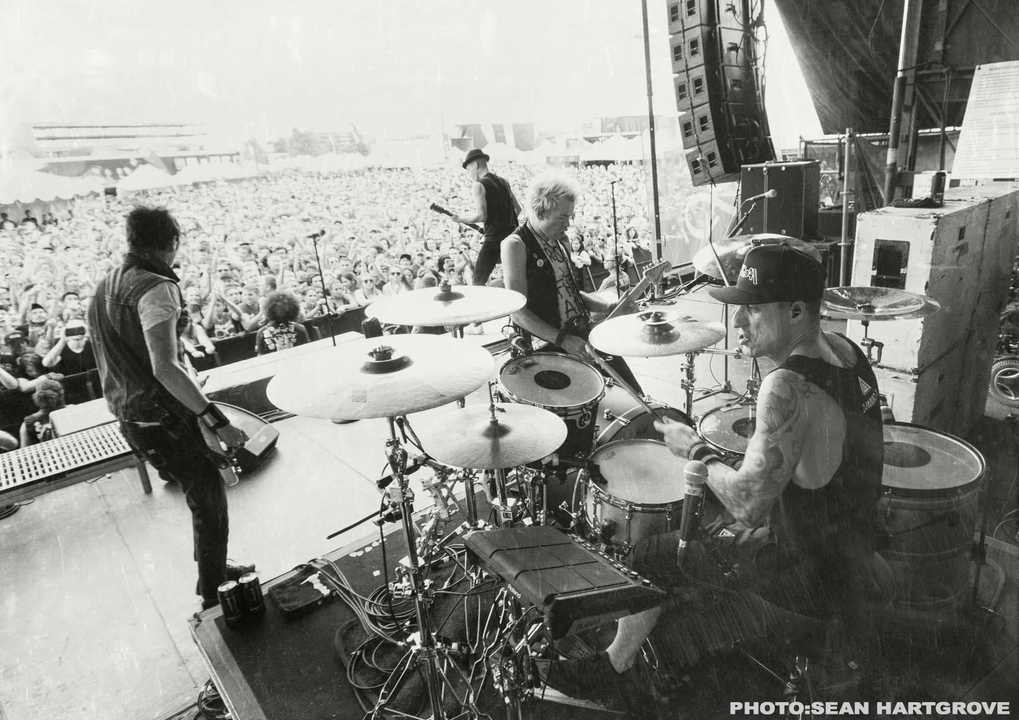 sum 41 drummer frank zummo on the band 39 s upcoming tour new album and new york city downtown. Black Bedroom Furniture Sets. Home Design Ideas