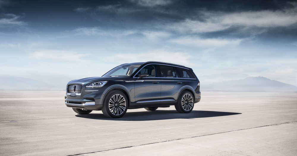 Lincoln Aviator Side View
