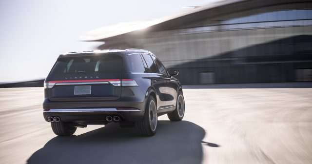 Lincoln Aviator Rear View