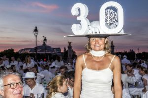 diner en blanc 30th anniversary in Paris