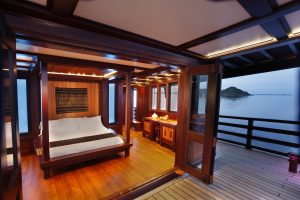 The master suite on the Dunia Baru