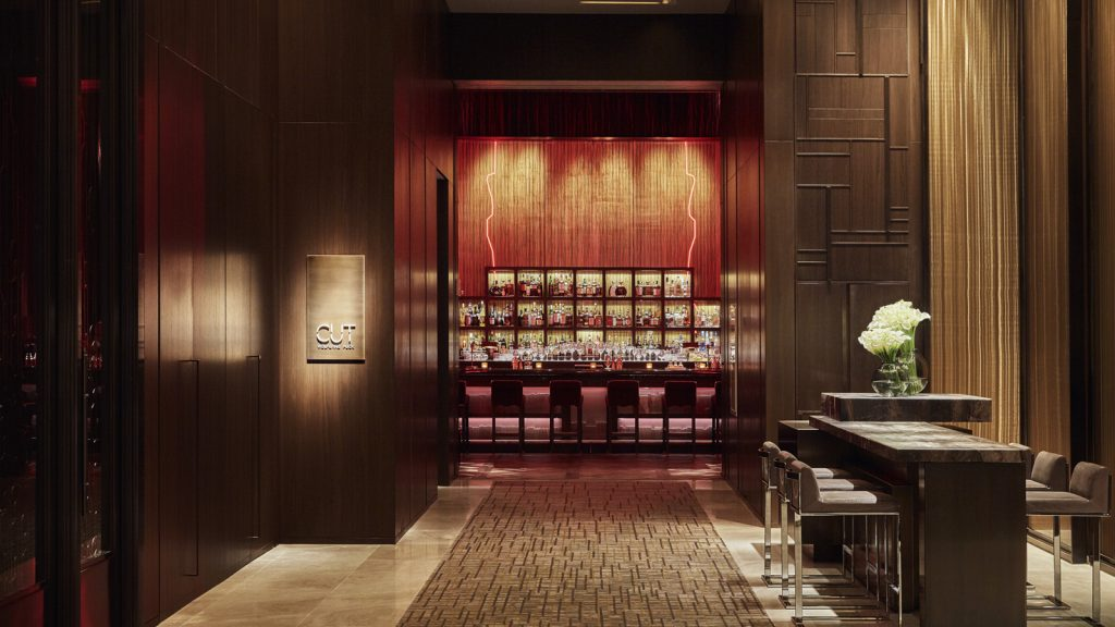 Live the Life of Luxury at Four Seasons Downtown this